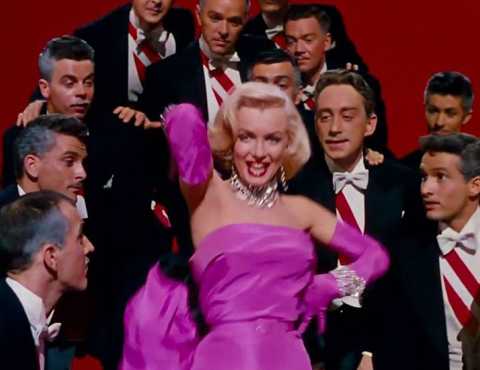 Marilyn Monroe singing